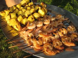 Grilled Pineapple and Shrimp (www.espinosakitchen.wordpress.com)