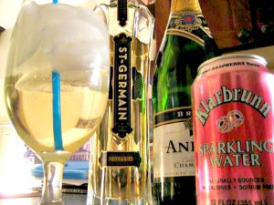The St-Germain Drink Cocktail: St-Germain, champagne, and club soda! so good! (www.espinosakitchen.wordpress.com)