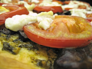 Goat Cheese and Pesto Pizza with Mushrooms and Tomatoes (www.espinosakitchen.wordpress.com)