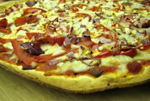 Roasted Red Pepper Pizza with Red Onions and Feta Cheese (www.espinosakitchen.wordpress.com)