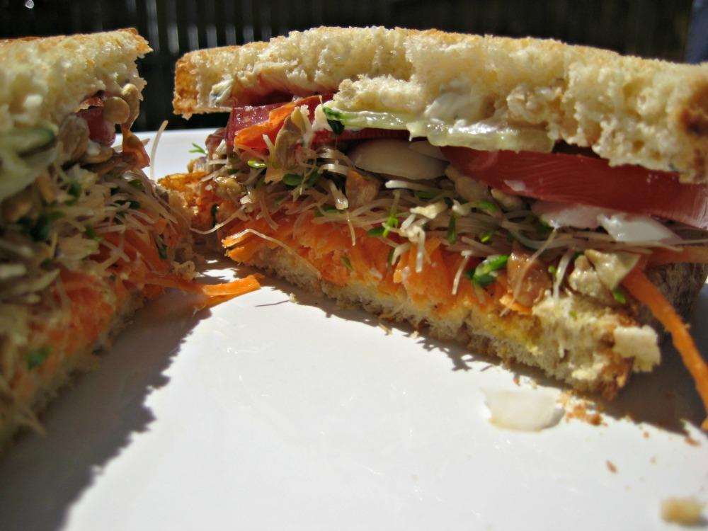 Sunflower Veggie Sandwich (2/2)